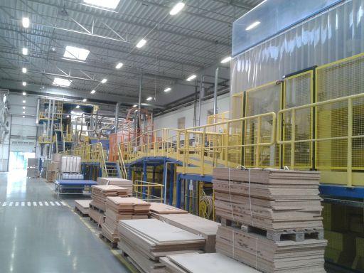 System automatycznego rozładunku prasy 3D w fabryce IKEA 3Dw Chlastawie (lipiec-sierpień 2015)